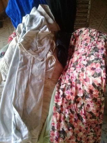 Mais de 50 peças lote de roupas - Foto 3