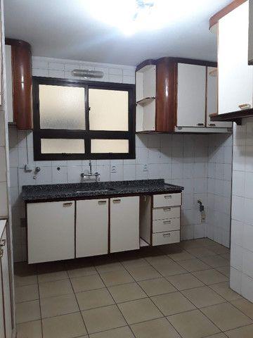 Alugo apartamento amplo 3 dorms. (1 suíte) no Botafogo - Foto 15