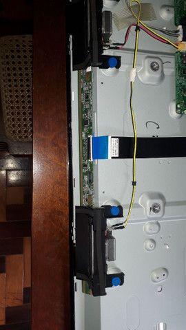 Smart tv 32 Samsung para peças(tela quebrada) - Foto 3