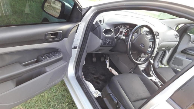 Focus sedan 1.6 8v Flex - Foto 5