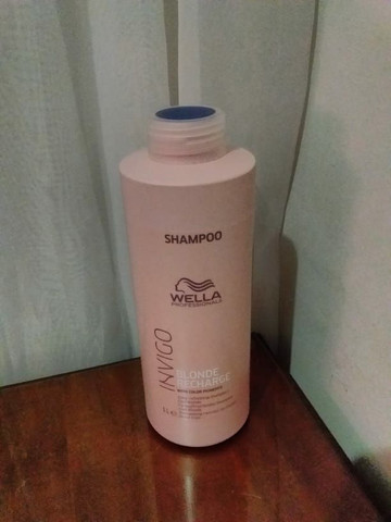 Shampoo  wella  invigo  blonde  recharge  para cabelos  loiros