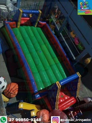 Aluguel Futebol de Sabão Inflável por 4 horas de diversão