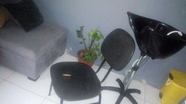 Cadeira e lavatório portátil