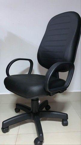 Cadeira de escritório Presidente *direto da fabrica* - Foto 2