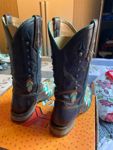 Vendo bota goyazes  - Foto 2