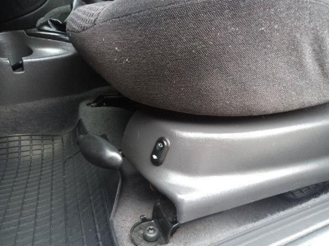 Focus Sedan Ghia 2005 - Foto 9