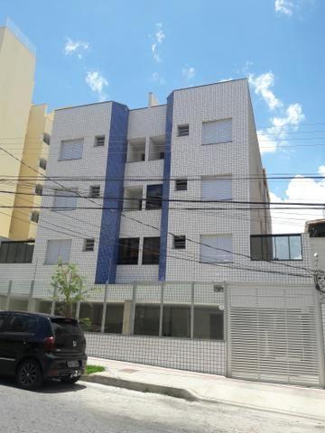 Apartamento 2 quartos, suíte, varanda - Prédio Individual
