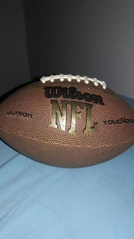c11e9c3ba9 Bola de futebol americano  semi nova  wilson nfl super grip oficial ...