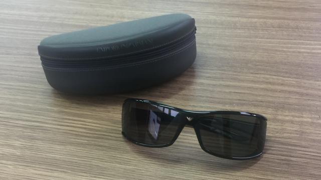 f72006a2de51b Óculos de sol Emporio Armani Giorgio Armani - de R  449 por R  299 ...