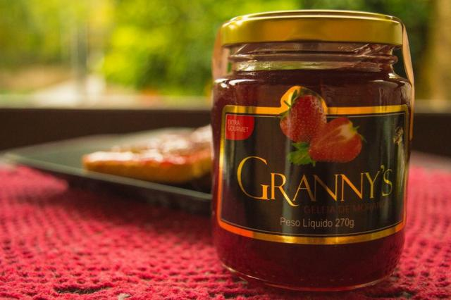 Geleia artesanal de morango Granny's Extra Gourmet 270g