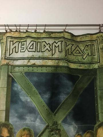 Banner de tecido do Iron Maden vem com a haste devimos e pregadores - Foto 3