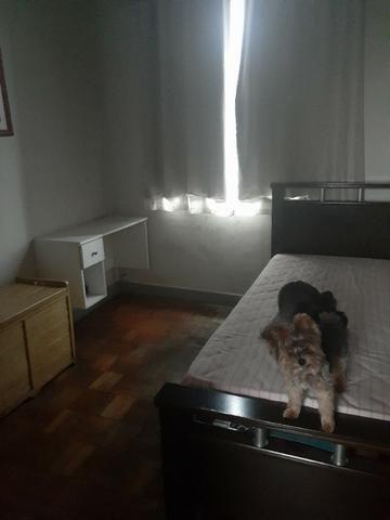 Alugo quarto para moça Floresta - Foto 4
