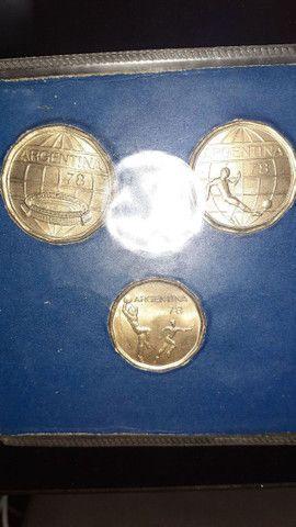 Vendo moedas vaticano 5,3copa,alemã 1938,valor 300 pila tudo - Foto 2