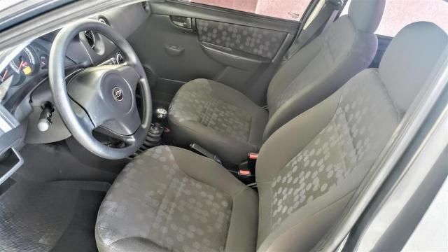 Chevrolet Prisma  Joy 1.4 (Flex) FLEX MANUAL - Foto 6