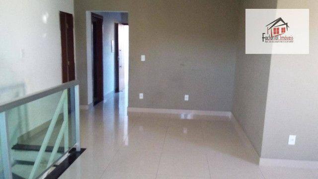 Vendo casa, 5 quartos, 1 suíte, 2 salas, quintal amplo. Bairro Coqueiros - Foto 2