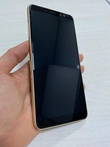 Celular Samsung A8+ 128gb Dourado Usado - Foto 6