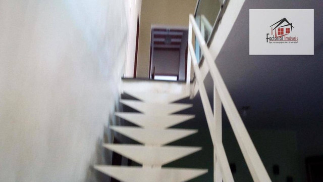 Vendo casa, 5 quartos, 1 suíte, 2 salas, quintal amplo. Bairro Coqueiros - Foto 3