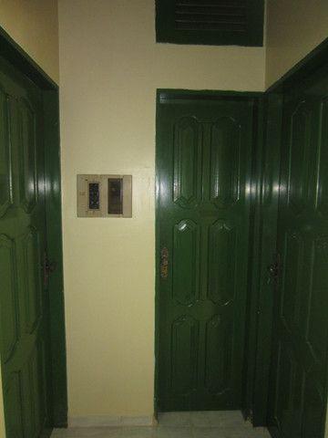 Aluga-se Apartamento de 02quartos no centro - Foto 4