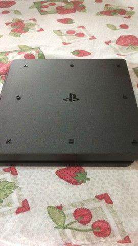 PlayStation 4 slim 1 terabyte versão 2214B Novo - Foto 3