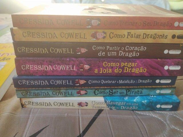 Vendo Livros da série COMO TREINAR O SEU DRAGÃO - Foto 2