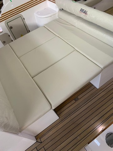 Real 40 HT Luxury Modelo 2021 - Real Powerboats - Gasolina / Diesel  - Foto 9