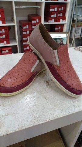 Lote com 340 pares de calçados com Funções Ortopédicas - Foto 5