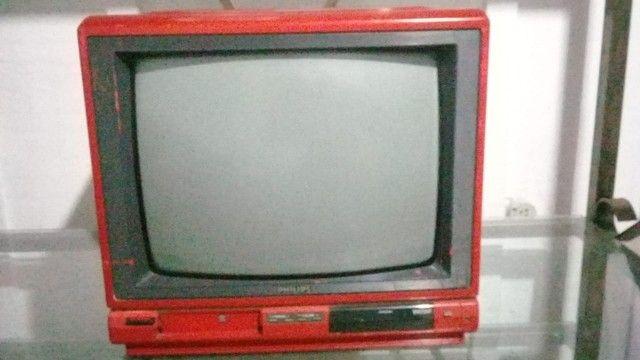 TV Antiga Retrô Vermelha Philips