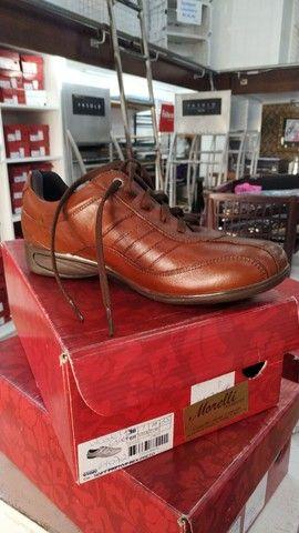 Lote com 340 pares de calçados com Funções Ortopédicas - Foto 6