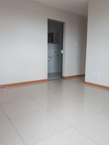 Alugo apartamento com 3 quartos- ED. coliseum/ - Foto 4