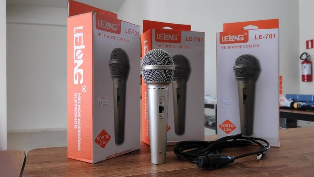 Microfone Profissional P10 com Esfera em Metal e Cabo 2.5 Metros - Foto 2