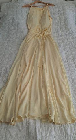 Vestido longo amarelo claro
