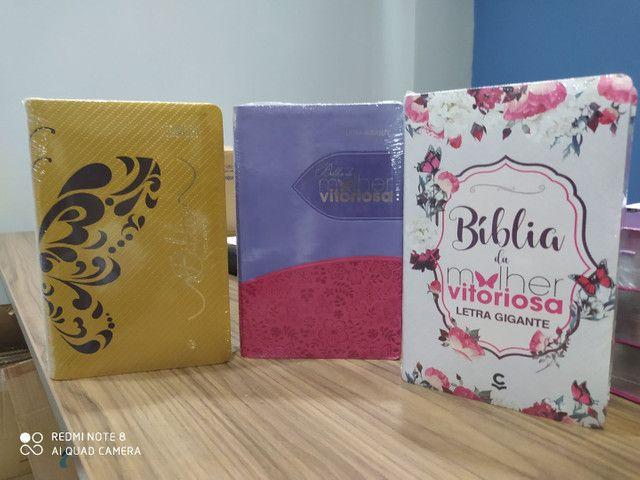 Bíblia da Mulher Vitoriosa. - Foto 5