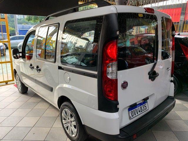 Fiat Doblò  Essence 1.8 16V (Flex) FLEX MANUAL - Foto 4