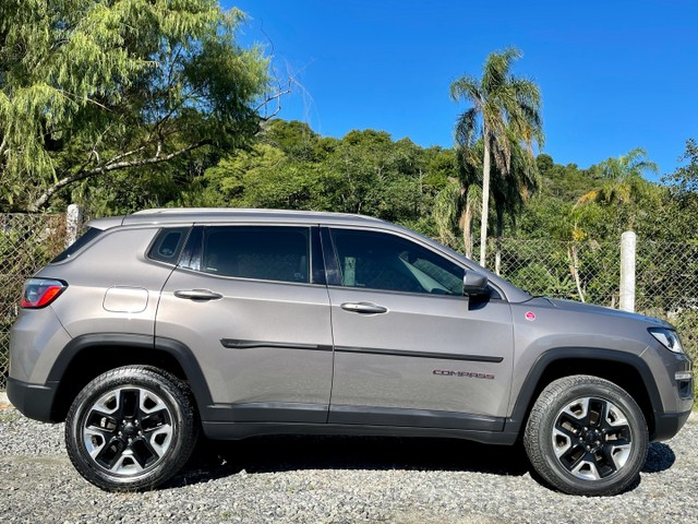 Jeep Compass TrailHawk 2.0 Diesel 4x4 2017 Baixo Km  - Foto 5