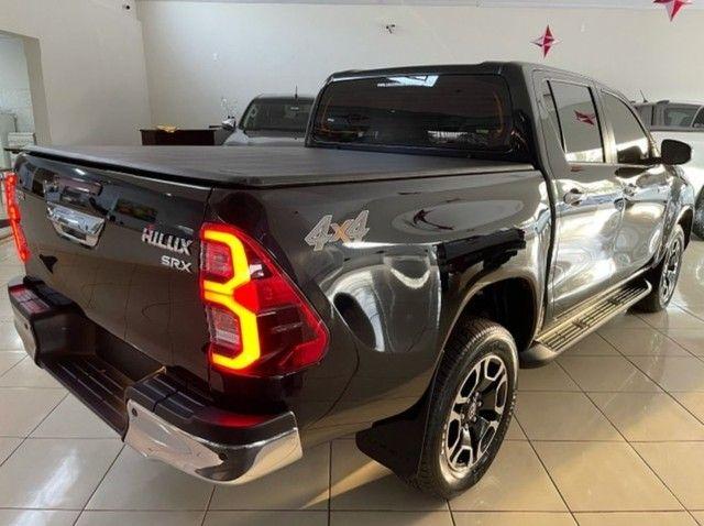 Toyota Hilux CD SRX 4×4 2.8 TDI 16V DIESEL AUTO. - Foto 3