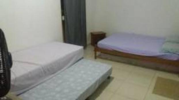 Alugo casa 1° andar carapibus/tabatinga 03 quartos - Foto 3