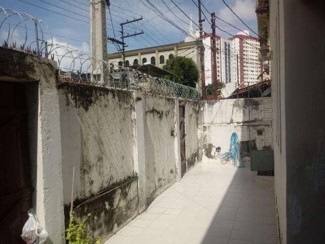 Excelente casa com 5 quartos na ladeira dos bandeirantes no Matatu - Foto 2