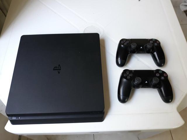 PS4 Slim 1tb 2 Controles