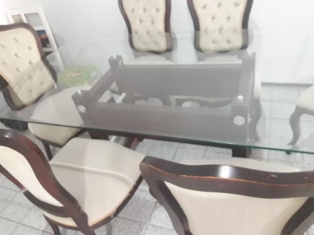 Conjunto Clássico De Mesa C/ Tampo De Vidro e 6 Cadeiras - Foto 2