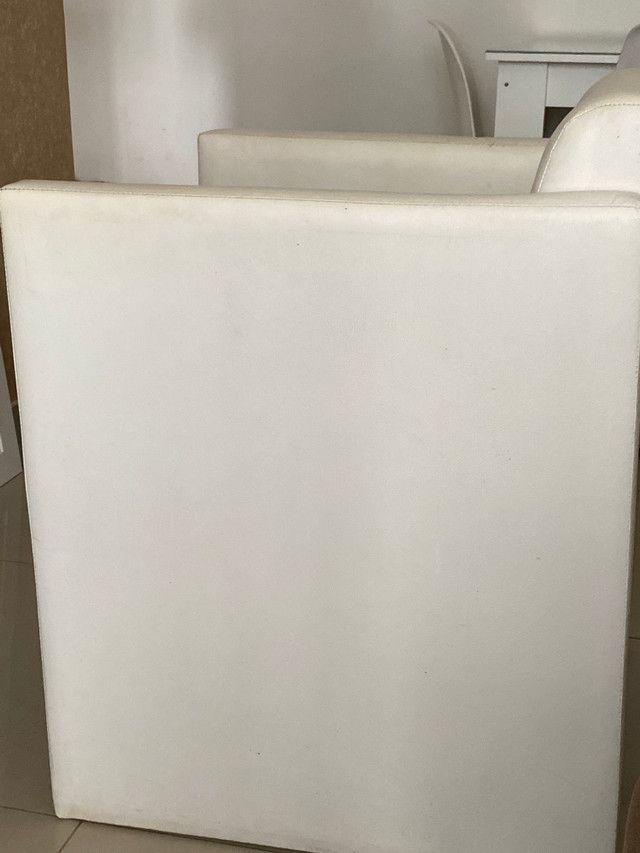 Poltrona ETNA - Cor Branca - Lindo produto - Foto 3