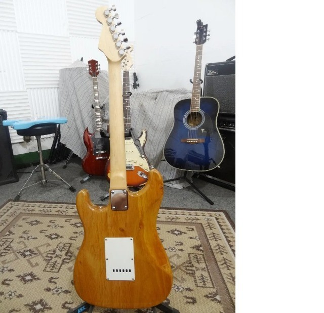 Guitarra Strato Vintage Captadores Alnico V - Foto 6