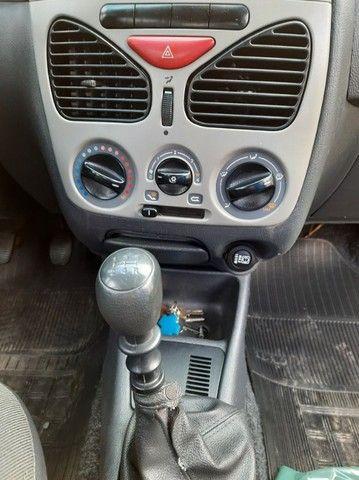 Palio Economy com AR condicionado  1.0, Ano 2010 - Foto 2