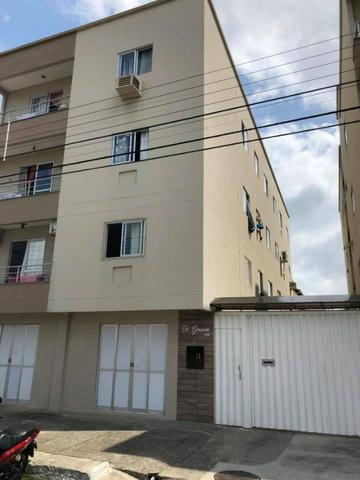 Vendo amplo apartamento com 1 dormitório!!!Aceita Parcelamento direto com proprietário!!!