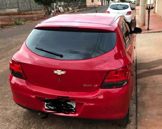 Vendo onix Chevrolet em perfeito estado - Foto 2