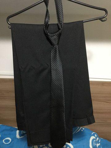 Blazer básico tradicional, calça básica social e gravata ( tudo na cor preta) - Foto 4