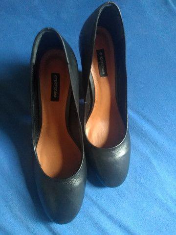 Par de sapatos femininos Emporio Naka - Foto 3