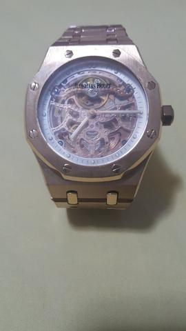 b7404f1c0e8 Vendo relógio Audemars Piguet automático - Bijouterias
