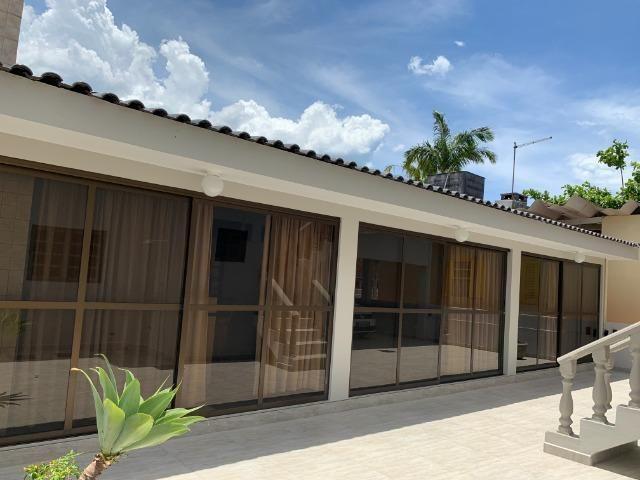 Vendo/Troco Sobrado Litoral (Residencial/Comercial) - Baln. Caravelas - 3 quadras do Mar - Foto 3