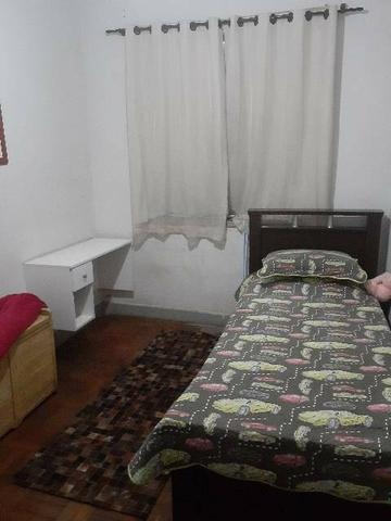 Alugo quarto para moça Floresta - Foto 3