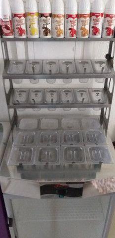 Geladeira expositora de aço inox (semi-nova), com cubas de acrílico. - Foto 2